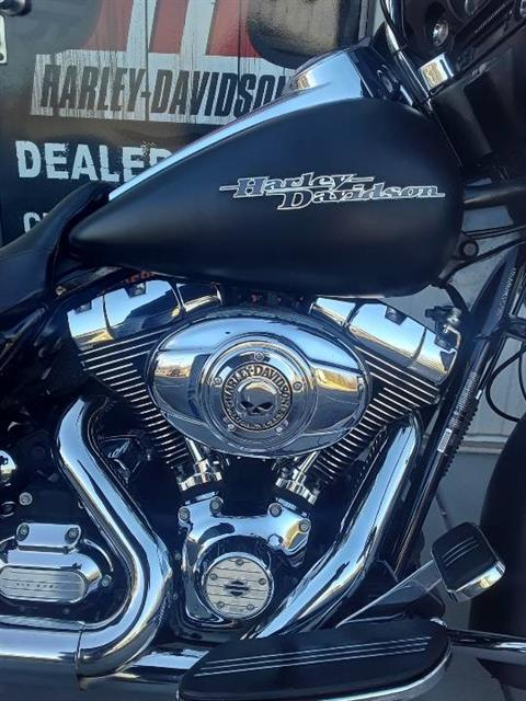 2011 Harley-Davidson Street Glide® in Clarksville, Tennessee - Photo 5