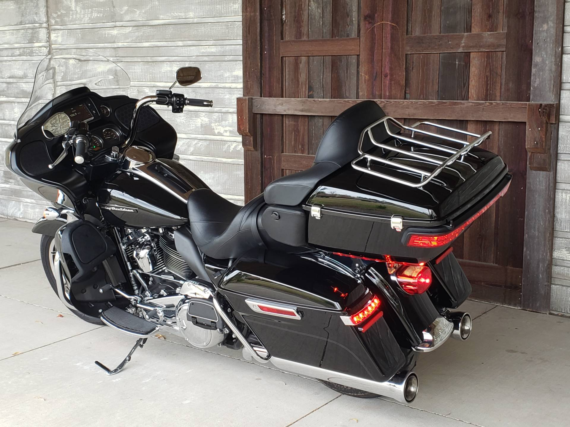 2018 Harley-Davidson Road Glide® Ultra in Kingwood, Texas - Photo 6
