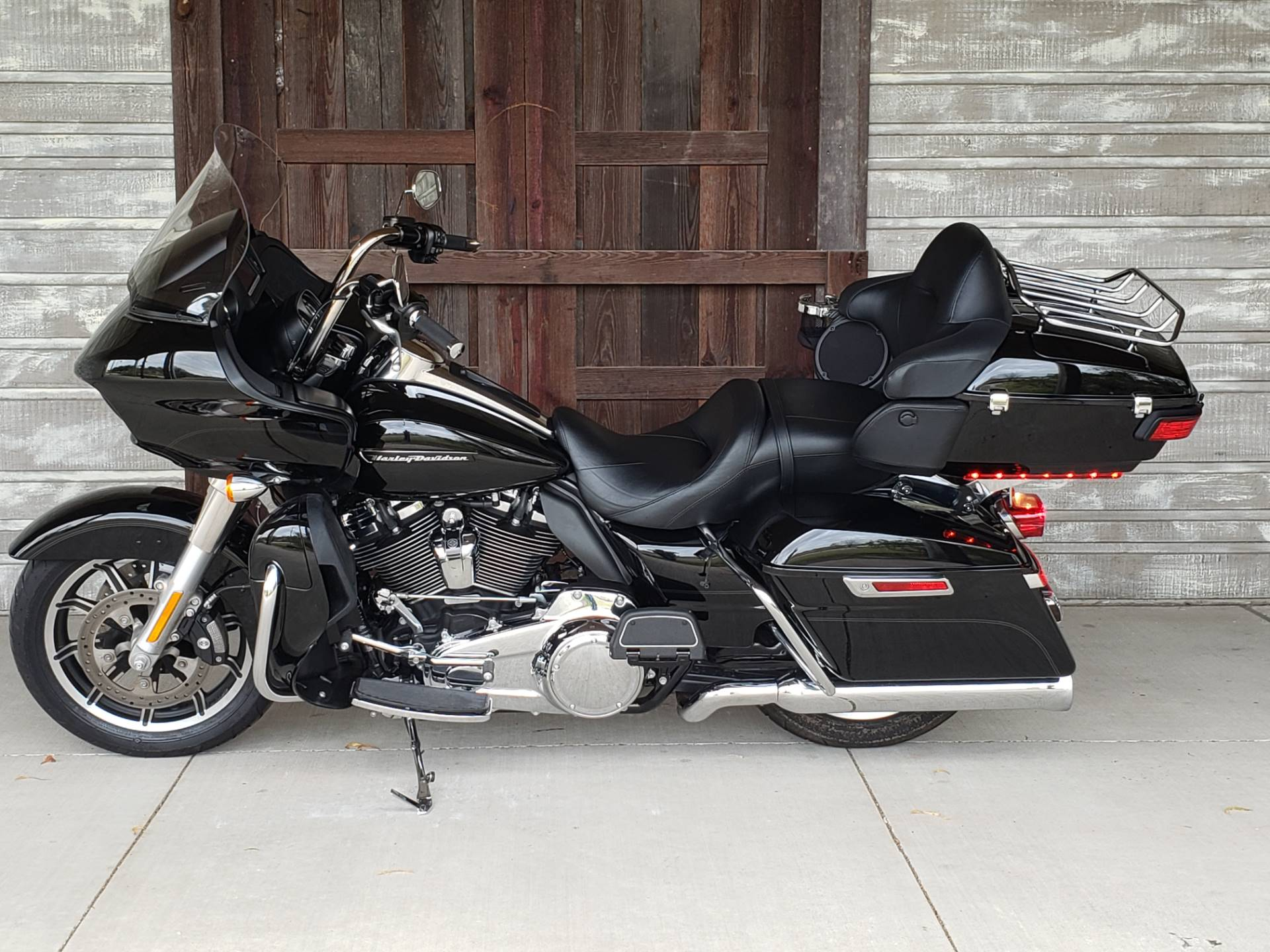 2018 Harley-Davidson Road Glide® Ultra in Kingwood, Texas - Photo 4