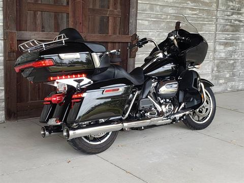 2018 Harley-Davidson Road Glide® Ultra in Kingwood, Texas - Photo 3