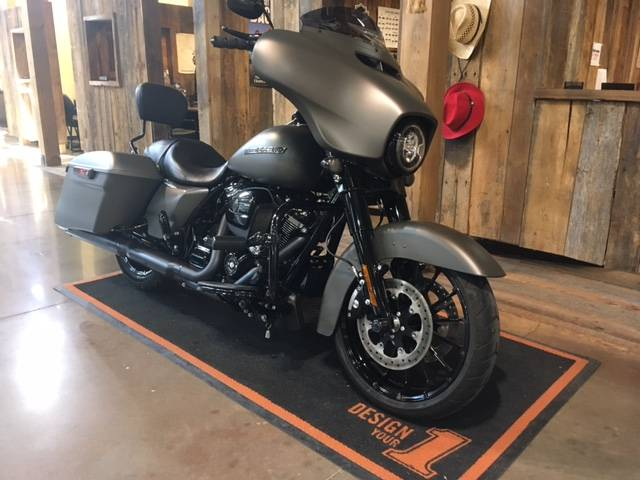 2019 Harley-Davidson Street Glide® Special in Kingwood, Texas - Photo 2