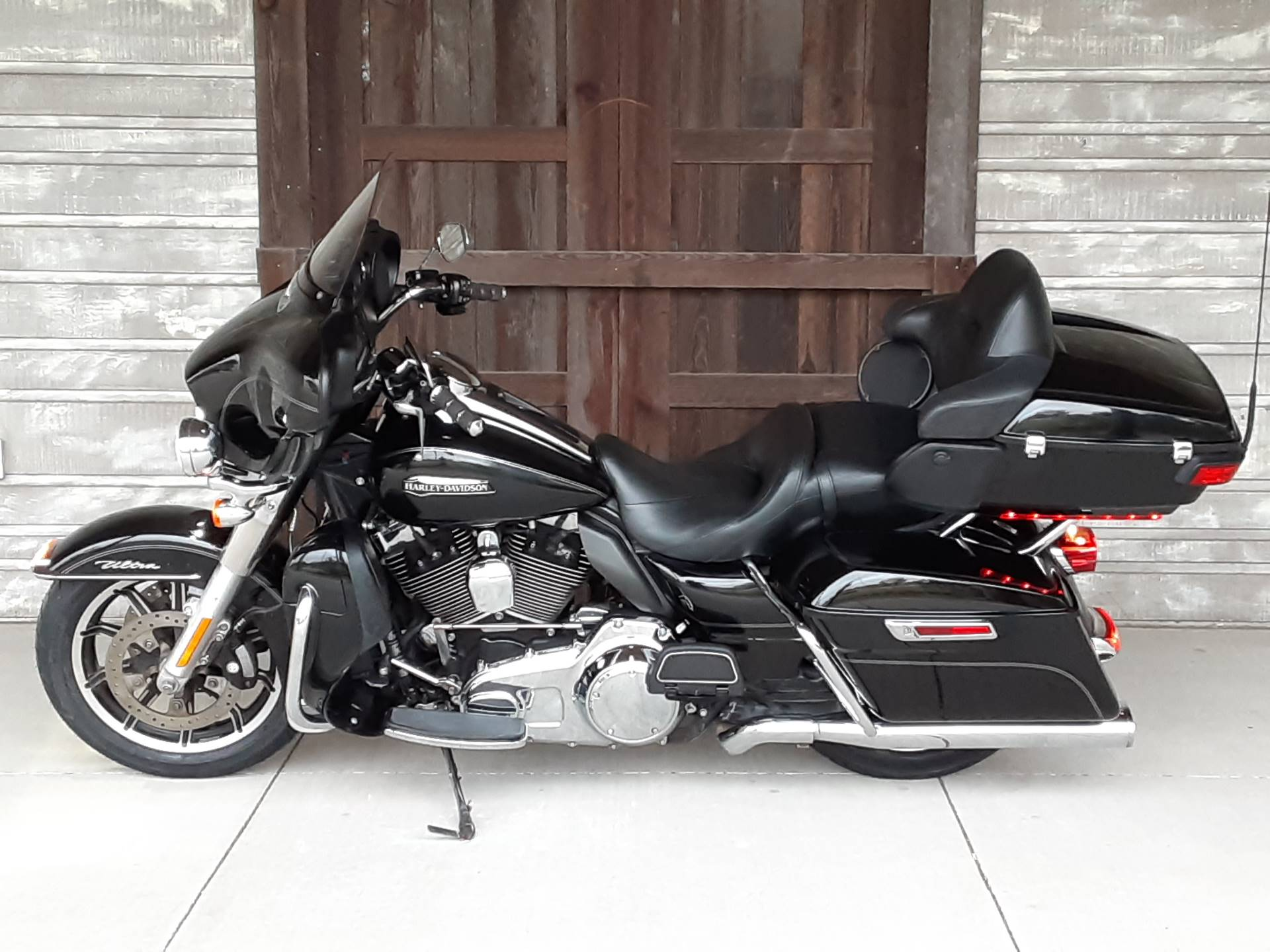 2015 Harley-Davidson Electra Glide® Ultra Classic® in Kingwood, Texas - Photo 4