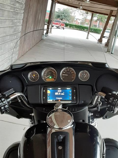 2015 Harley-Davidson Electra Glide® Ultra Classic® in Kingwood, Texas - Photo 9