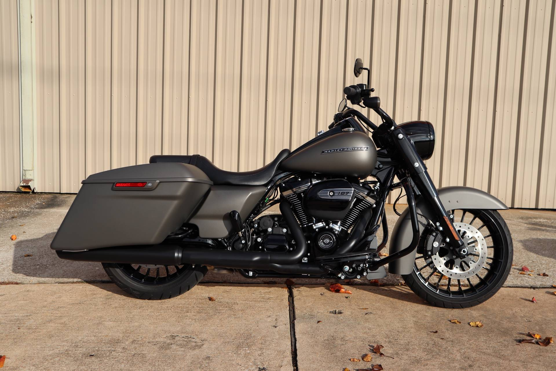 2018 Harley-Davidson Road King® Special in Conroe, Texas - Photo 1