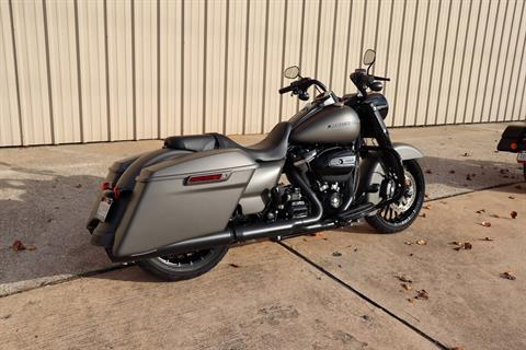 2018 Harley-Davidson Road King® Special in Conroe, Texas - Photo 2