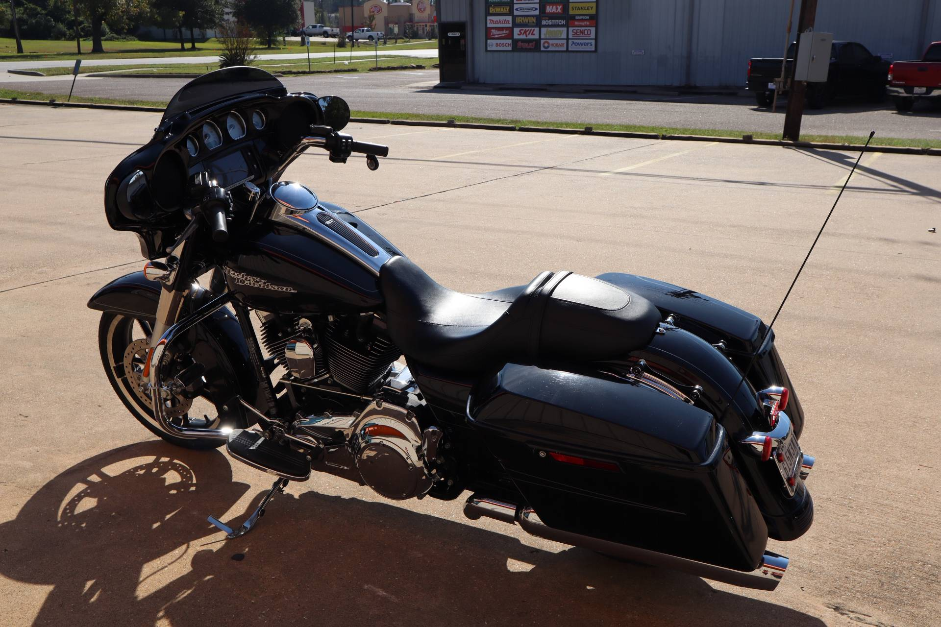 2016 Harley-Davidson Street Glide® Special in Conroe, Texas - Photo 4