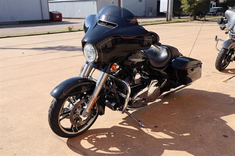 2016 Harley-Davidson Street Glide® Special in Conroe, Texas - Photo 6