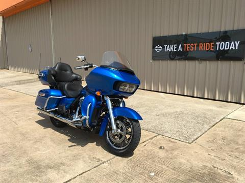 2018 Harley-Davidson Road Glide® Ultra in Conroe, Texas - Photo 4