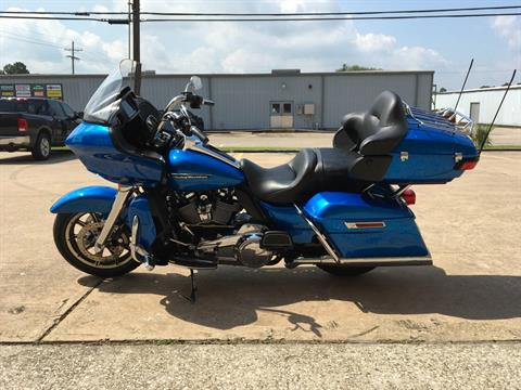 2018 Harley-Davidson Road Glide® Ultra in Conroe, Texas - Photo 5