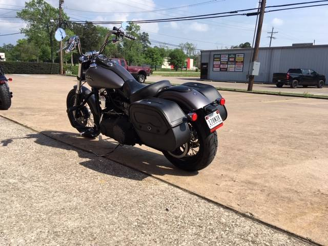 2016 Harley-Davidson FXDBP103 in Conroe, Texas - Photo 4