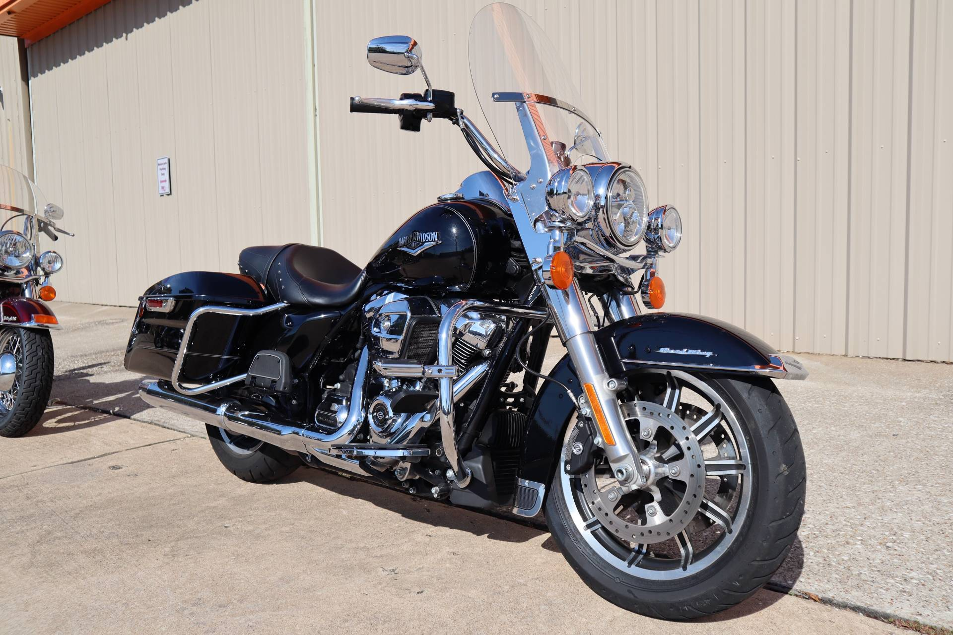 2017 Harley-Davidson Road King® in Conroe, Texas - Photo 7