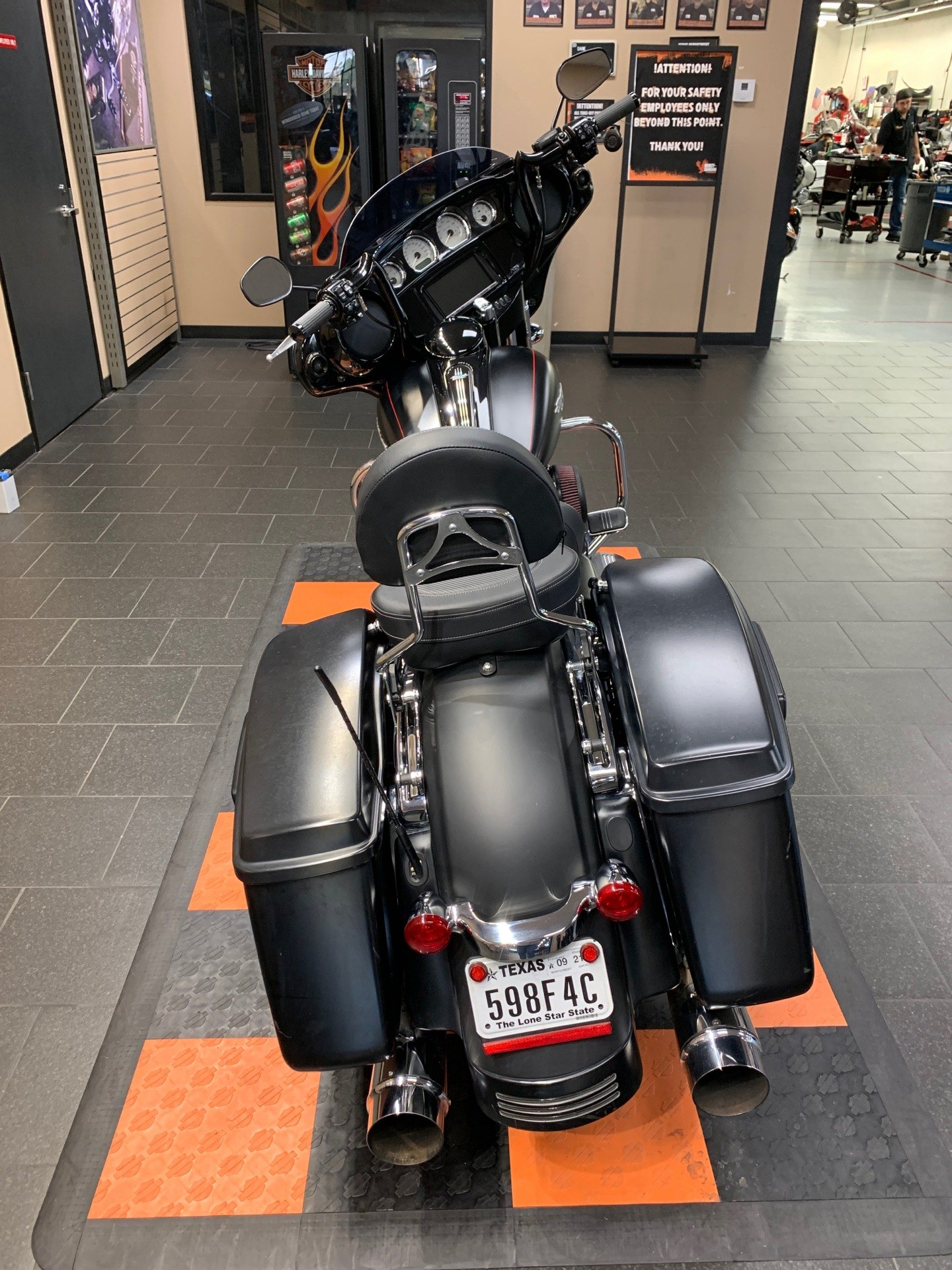 2014 Harley-Davidson Street Glide® Special in The Woodlands, Texas - Photo 5