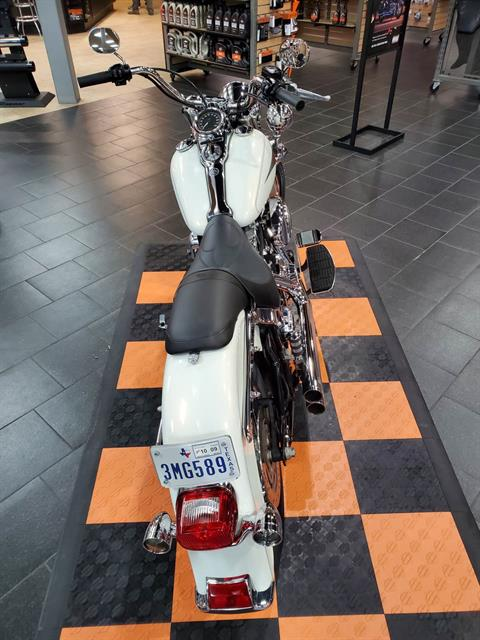 2001 Harley-Davidson FLSTC/FLSTCI Heritage Softail® Classic in The Woodlands, Texas - Photo 4