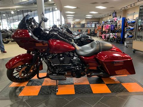 2018 Harley-Davidson Road Glide® Special in The Woodlands, Texas - Photo 3