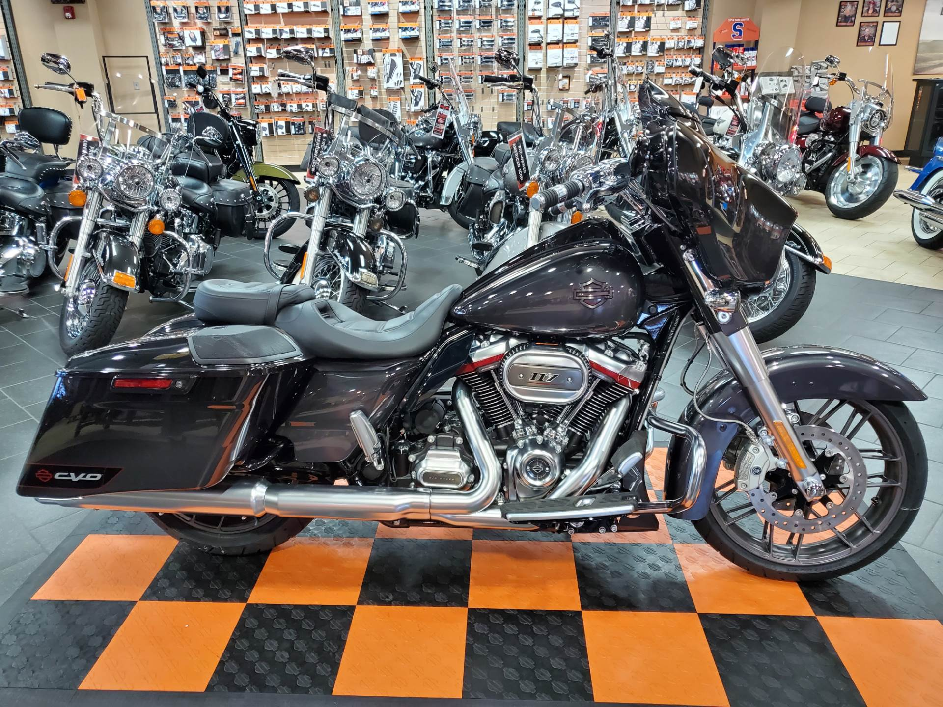 2020 Harley-Davidson CVO™ Street Glide® in The Woodlands, Texas - Photo 1