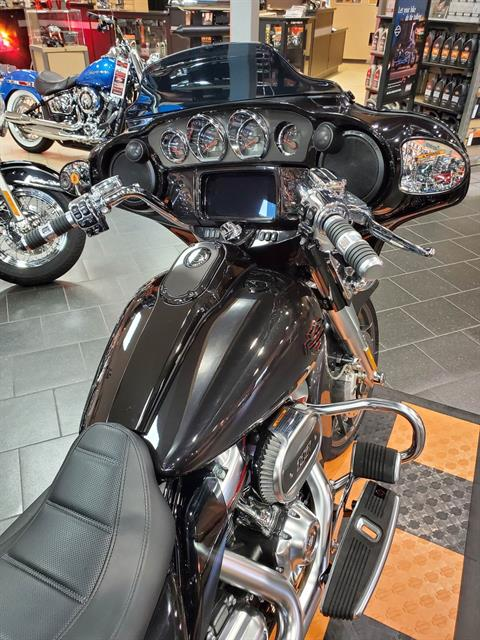 2020 Harley-Davidson CVO™ Street Glide® in The Woodlands, Texas - Photo 6