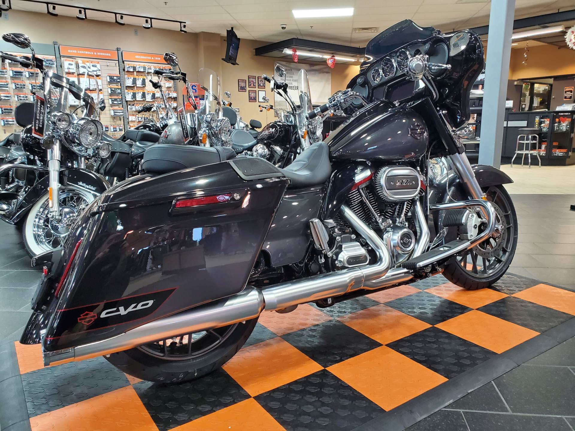 2020 Harley-Davidson CVO™ Street Glide® in The Woodlands, Texas - Photo 5