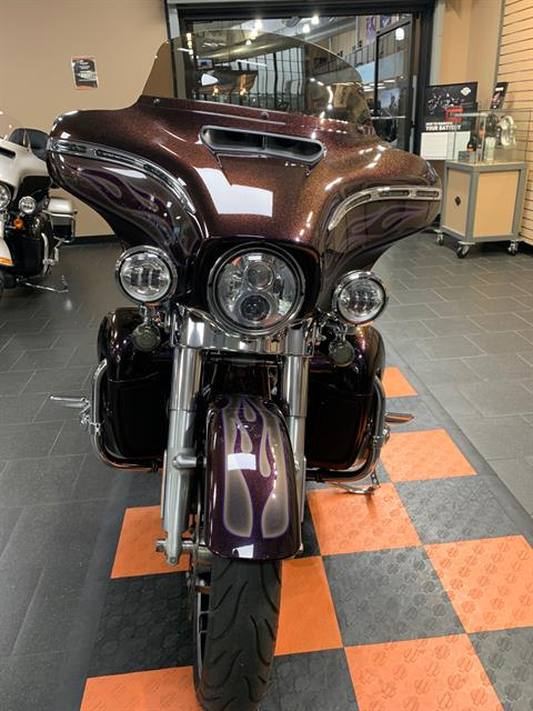 2017 Harley-Davidson Street Glide® Special in The Woodlands, Texas - Photo 2