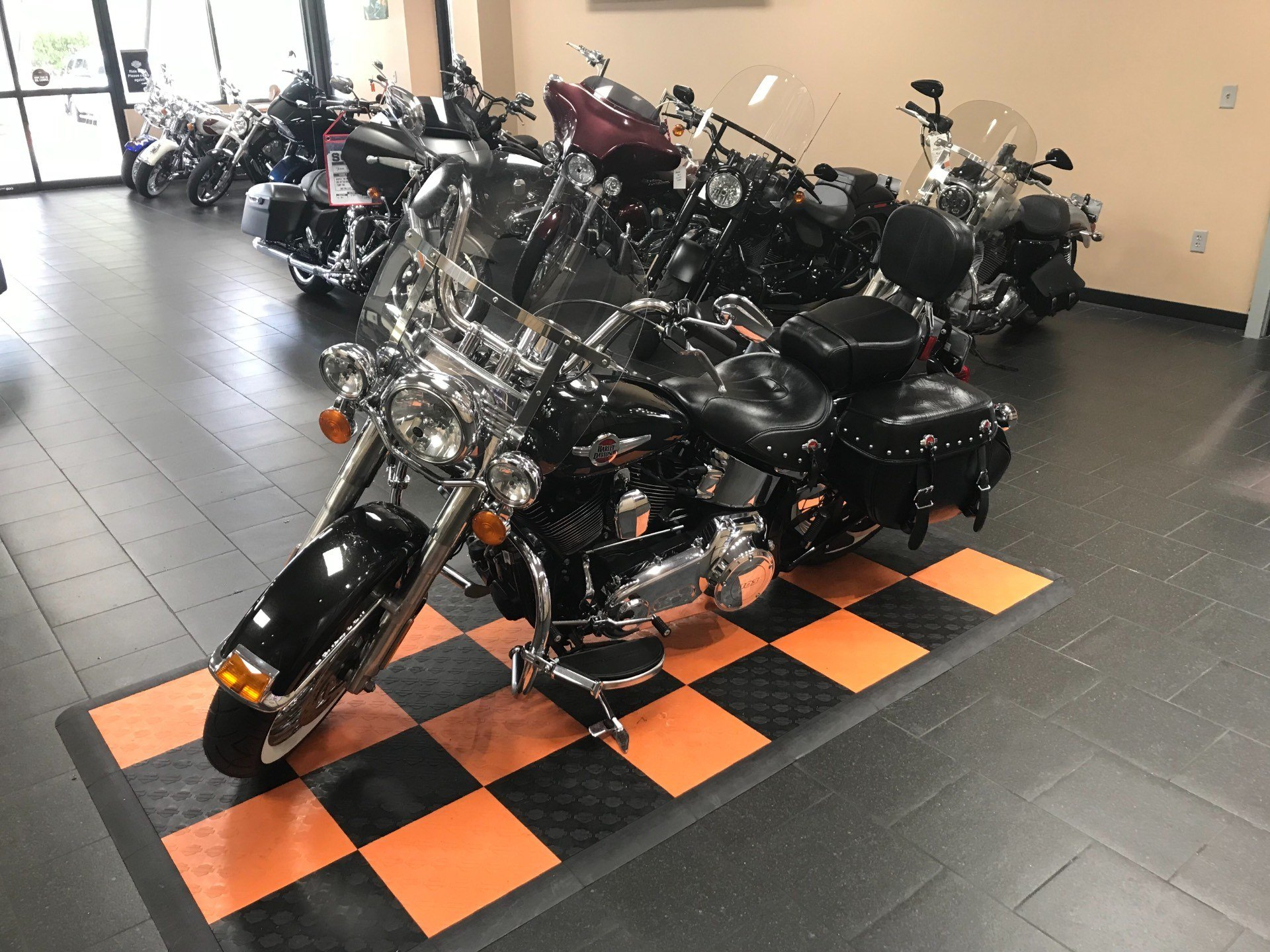 2017 Harley-Davidson Heritage Softail® Classic in The Woodlands, Texas - Photo 8