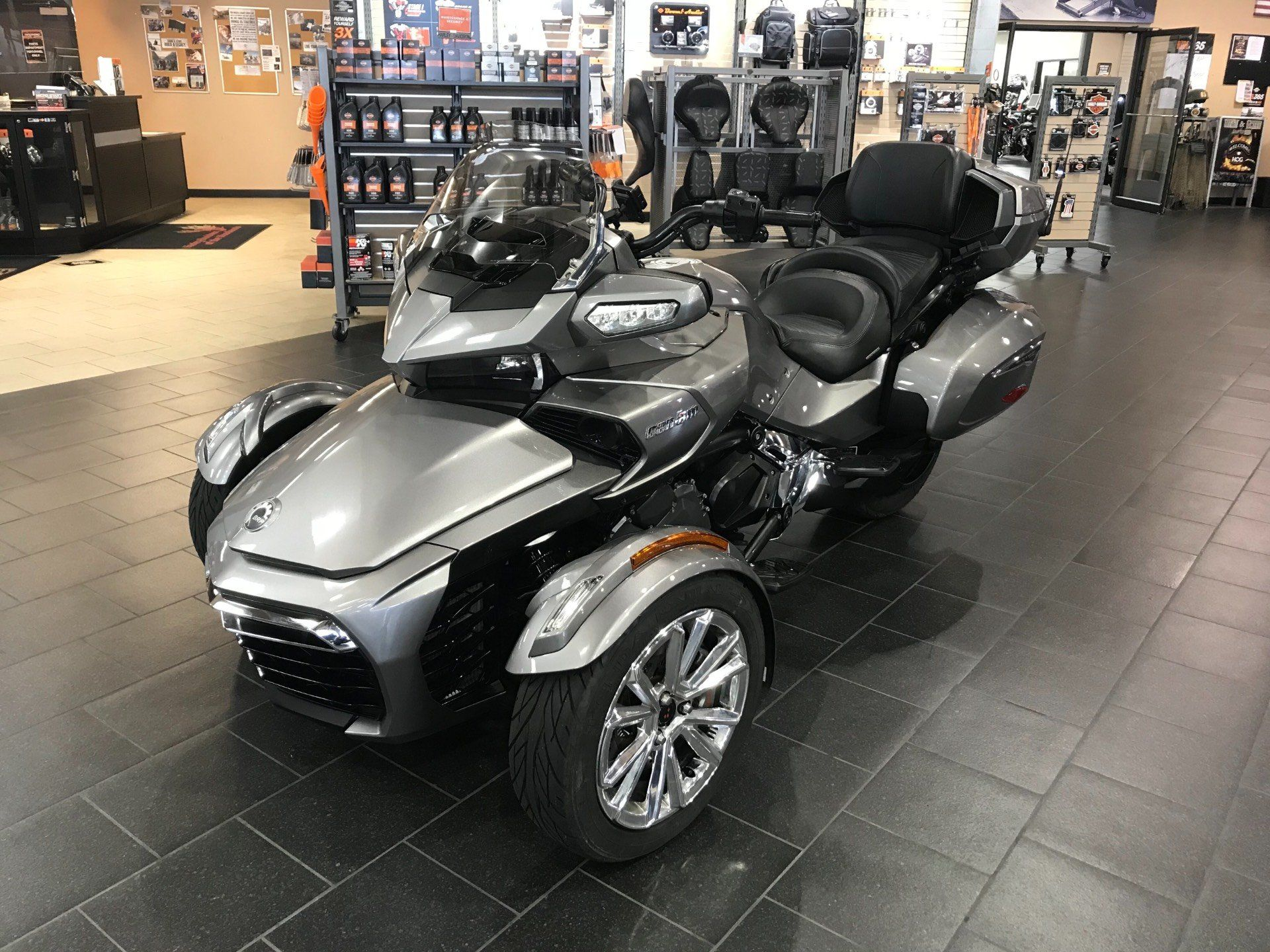 2017 Can-Am Spyder F3 Limited in The Woodlands, Texas - Photo 4