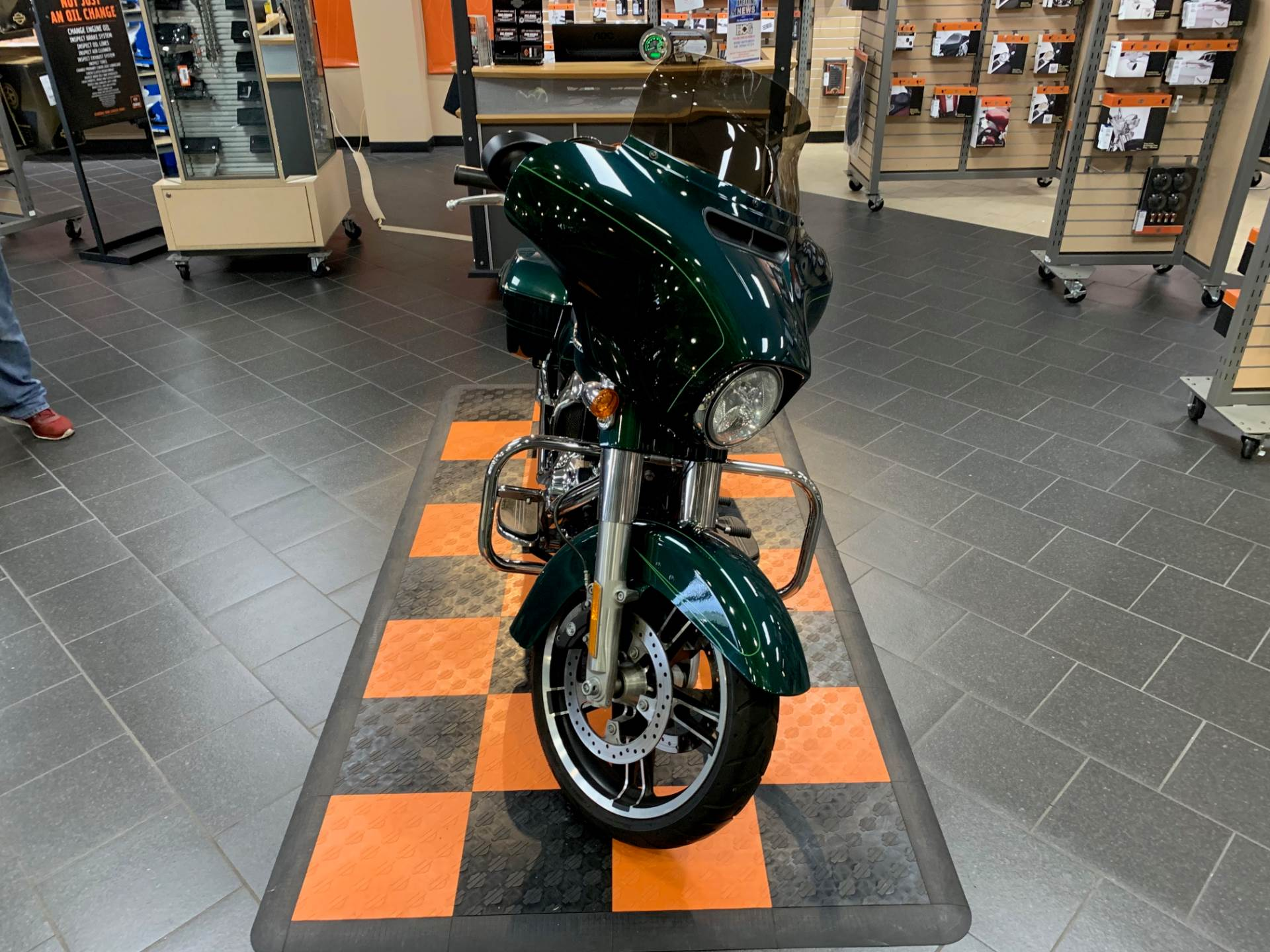 2016 Harley-Davidson Street Glide® Special in The Woodlands, Texas - Photo 2