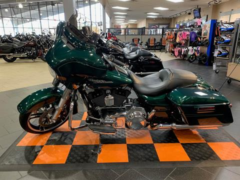 2016 Harley-Davidson Street Glide® Special in The Woodlands, Texas - Photo 3