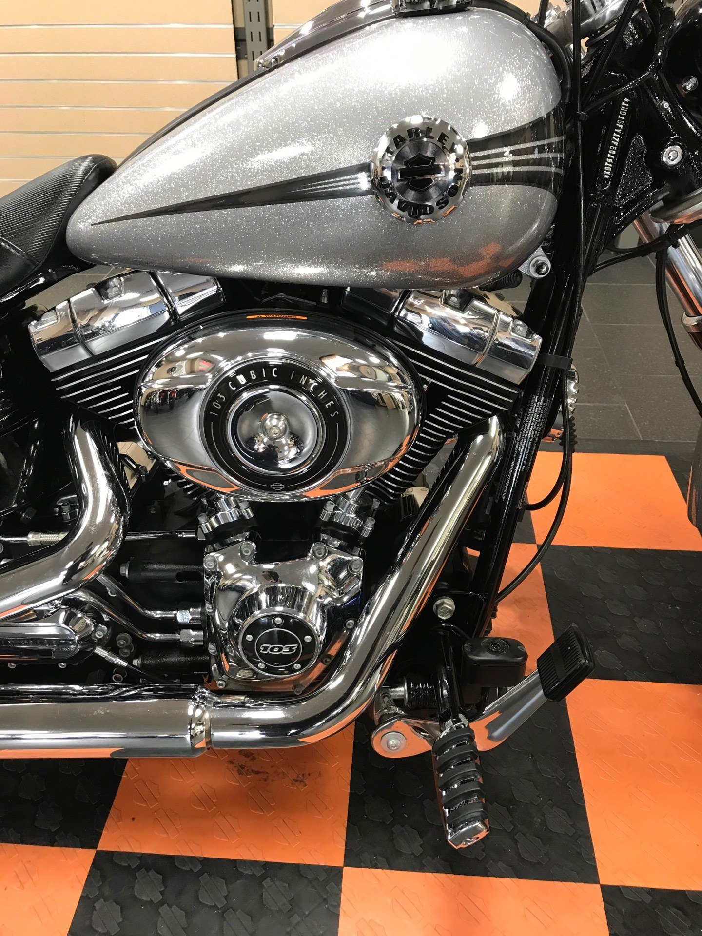 2015 Harley-Davidson Breakout® in The Woodlands, Texas - Photo 11