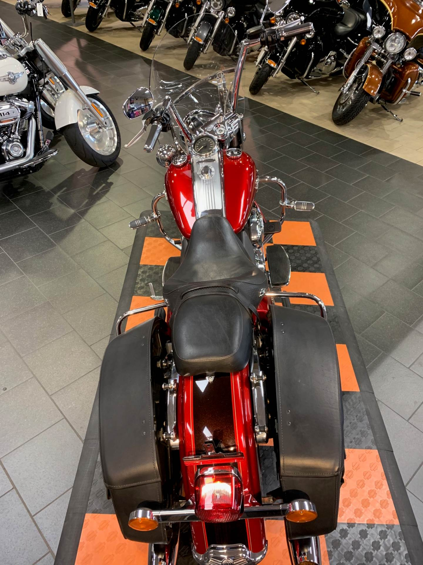 2013 Harley-Davidson Road King® Classic in The Woodlands, Texas - Photo 4