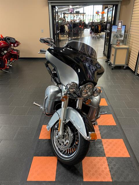 2012 Harley-Davidson Electra Glide® Ultra Limited in The Woodlands, Texas - Photo 2