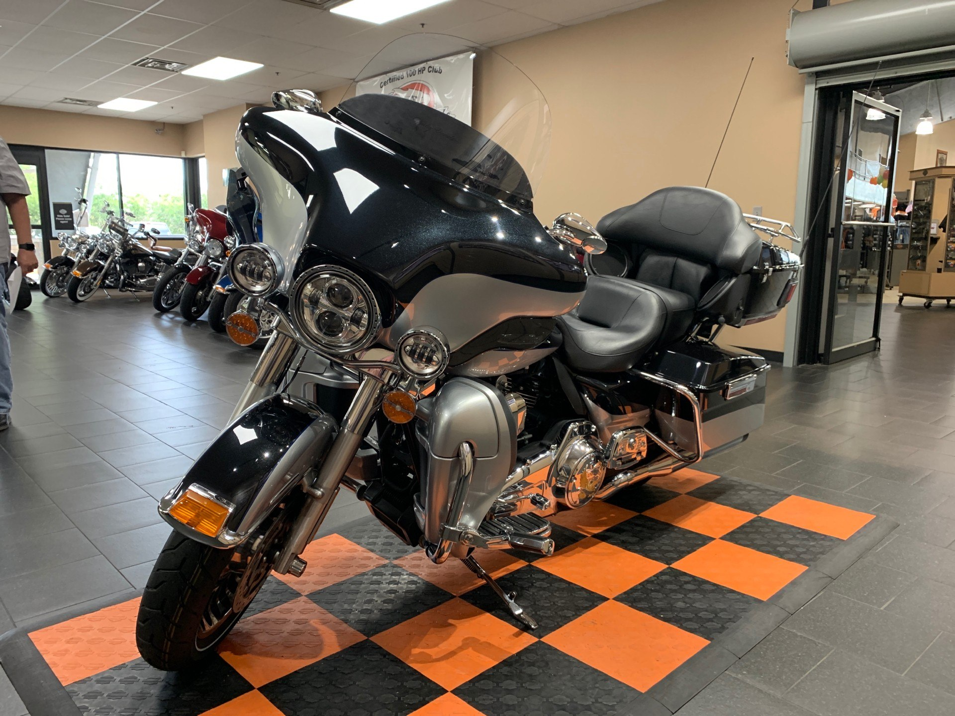 2012 Harley-Davidson Electra Glide® Ultra Limited in The Woodlands, Texas - Photo 3