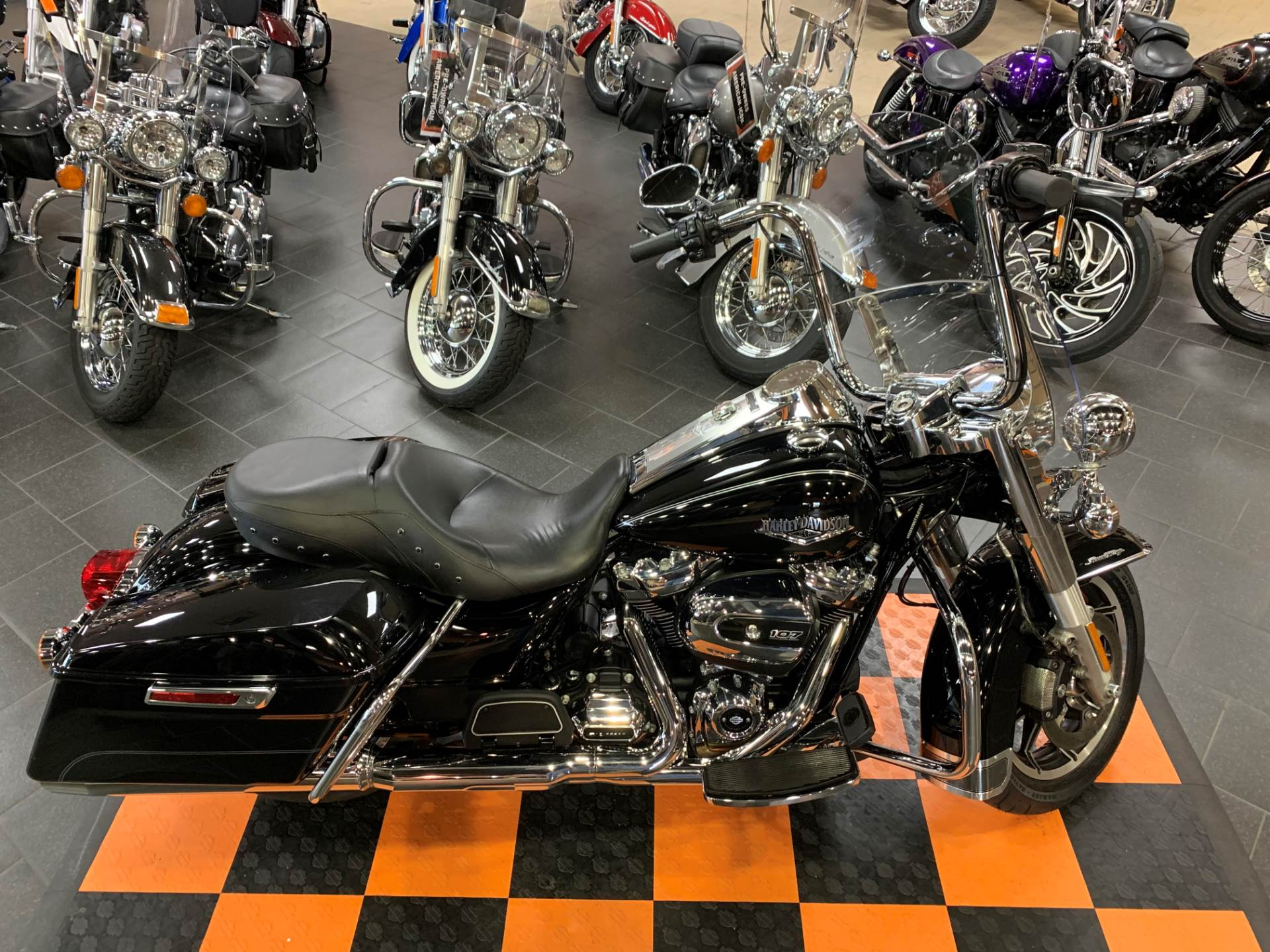 2017 Harley-Davidson Road King® in The Woodlands, Texas - Photo 7