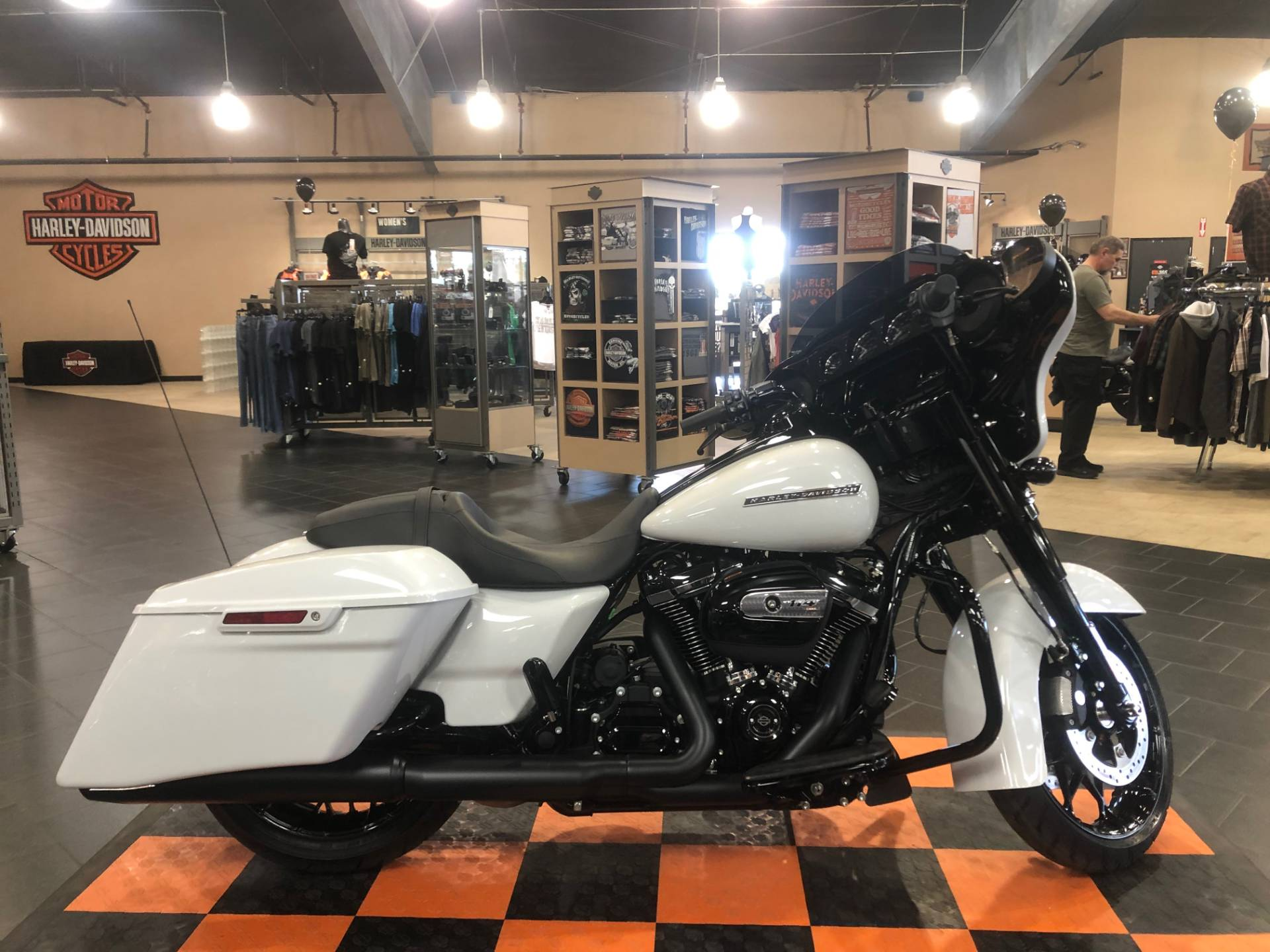 2020 Harley-Davidson Street Glide® Special in The Woodlands, Texas - Photo 5