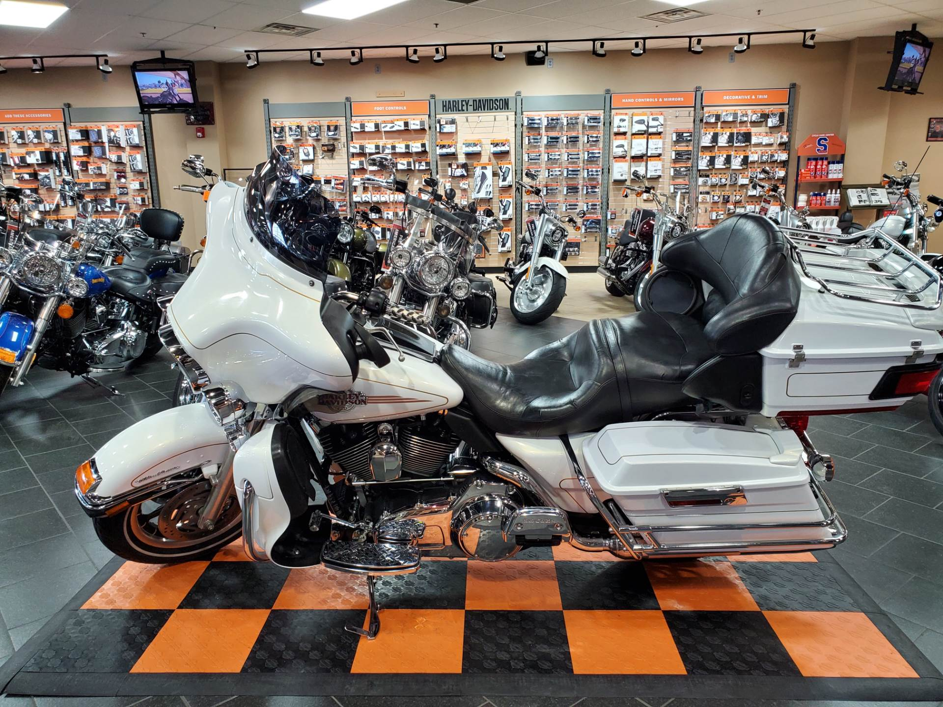 2007 Harley-Davidson Ultra Classic® Electra Glide® in The Woodlands, Texas - Photo 3
