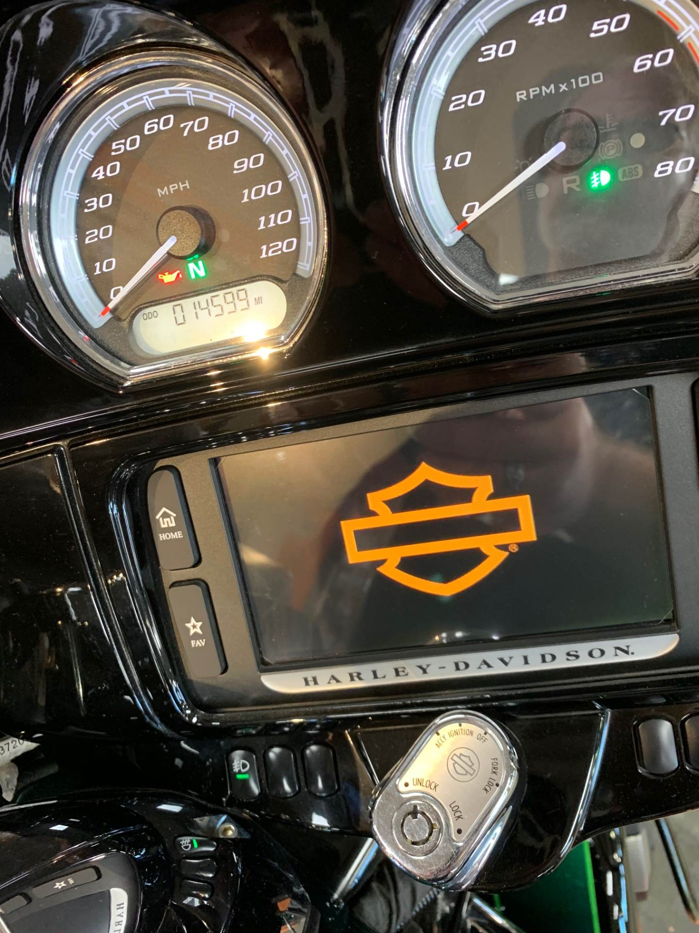 2015 Harley-Davidson Ultra Limited in The Woodlands, Texas - Photo 6
