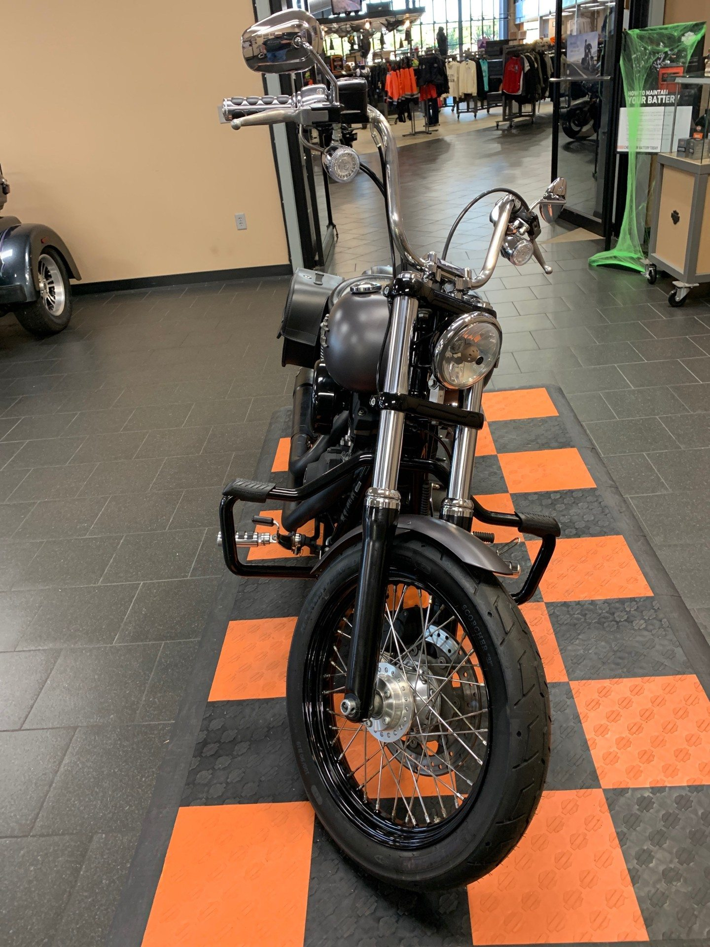 2016 Harley-Davidson Street Bob® in The Woodlands, Texas - Photo 2