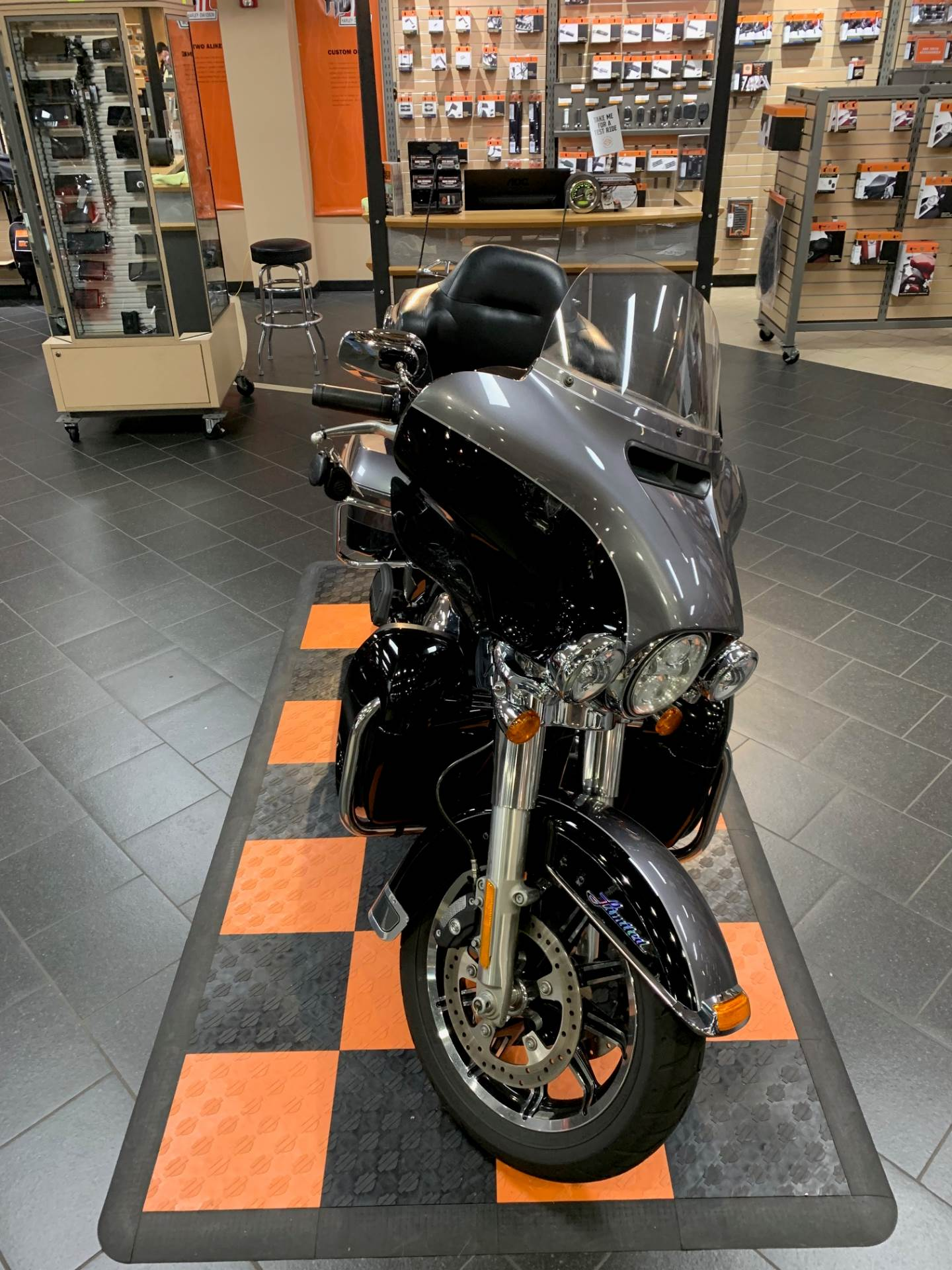 2014 Harley-Davidson Ultra Limited in The Woodlands, Texas - Photo 2