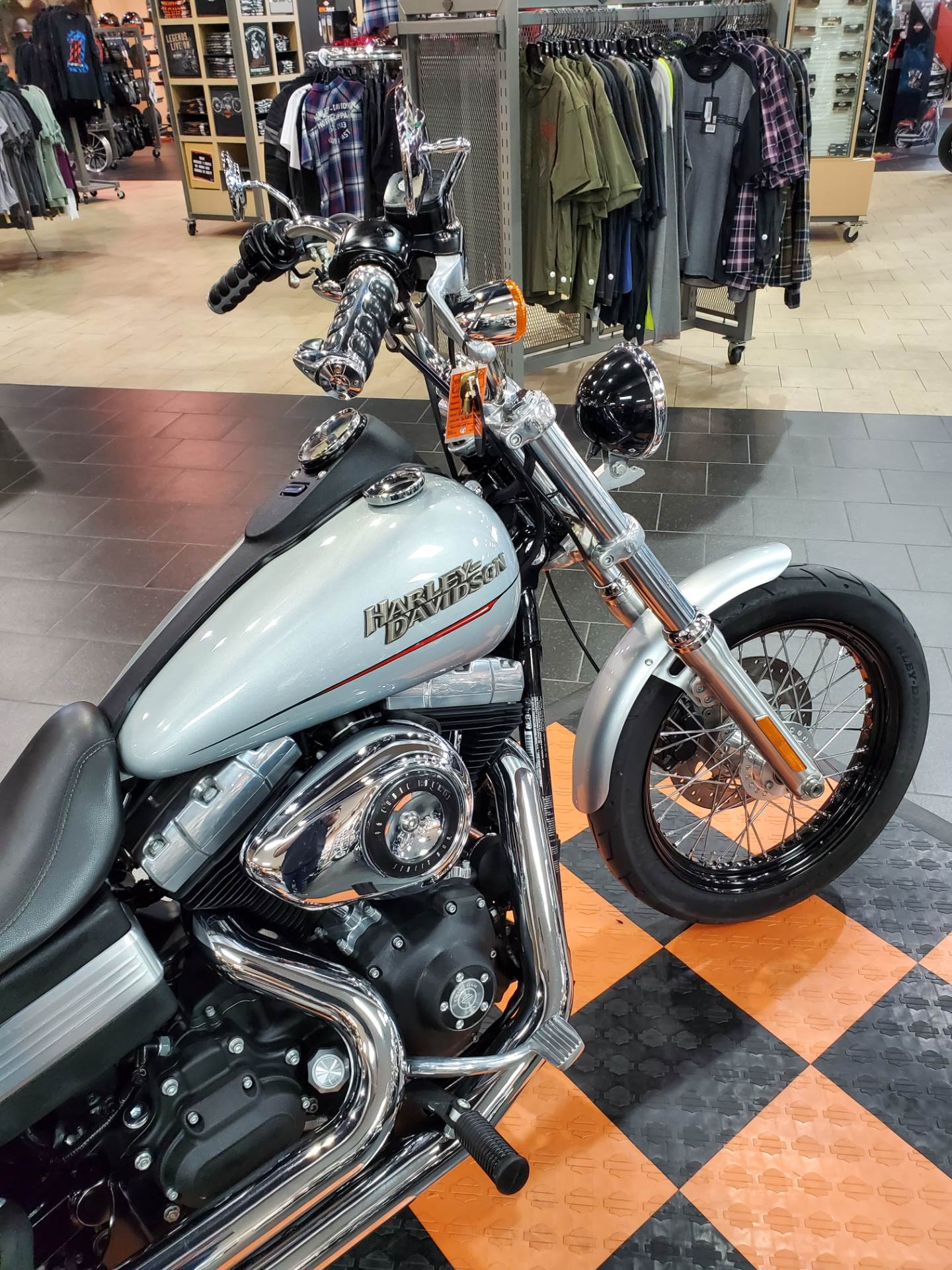2011 Harley-Davidson Dyna® Street Bob® in The Woodlands, Texas - Photo 5