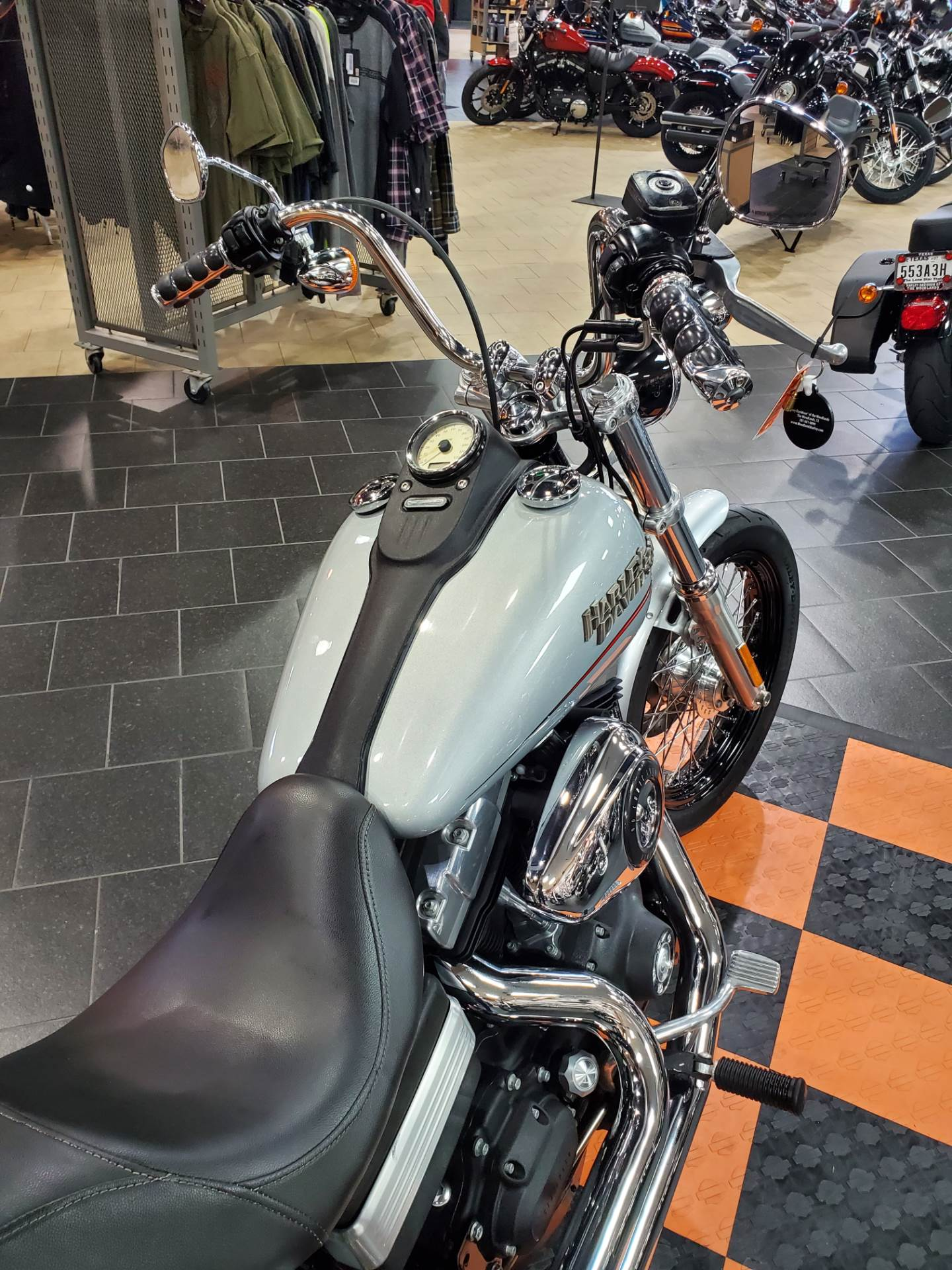 2011 Harley-Davidson Dyna® Street Bob® in The Woodlands, Texas - Photo 7