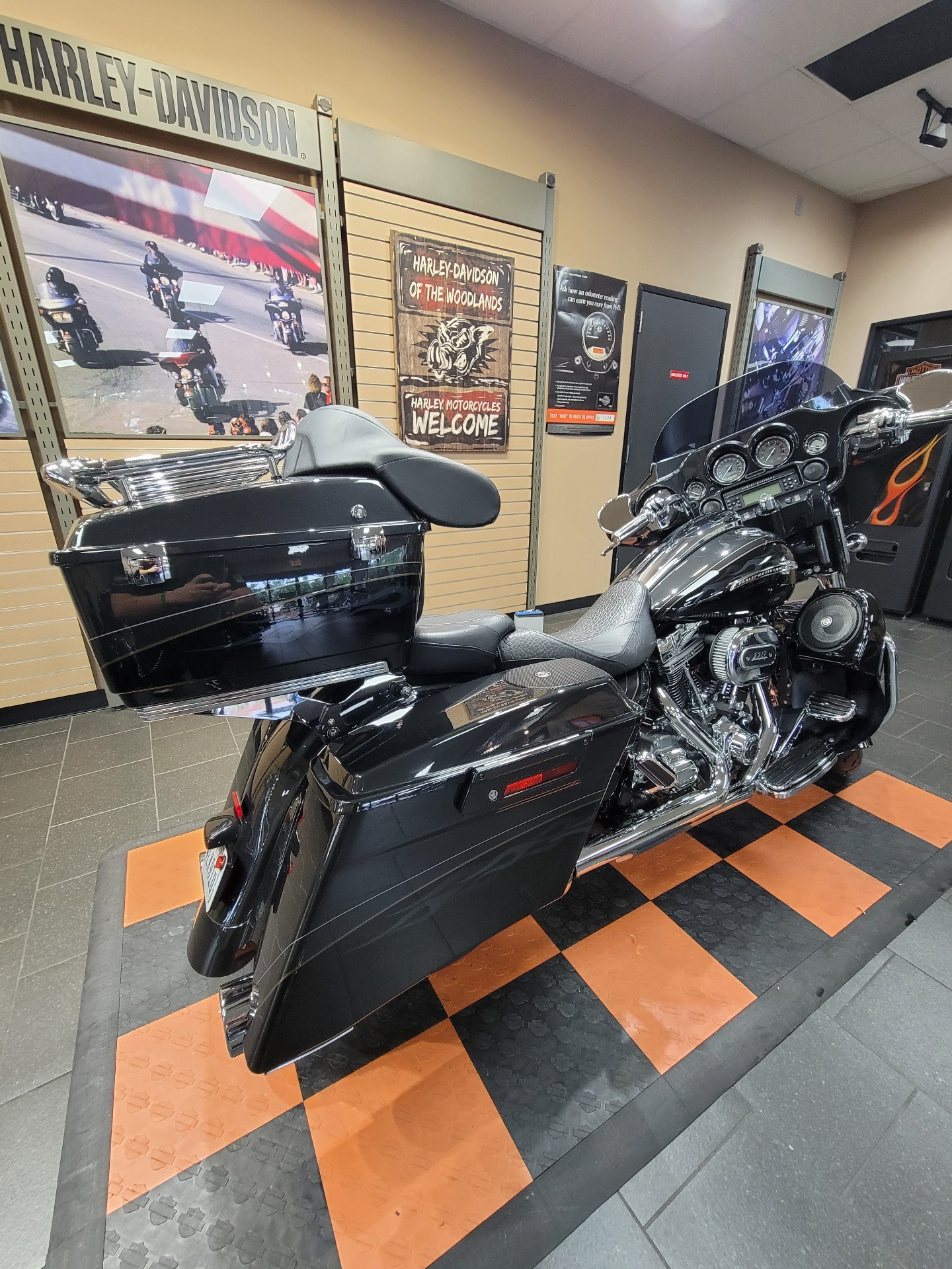 2012 Harley-Davidson CVO™ Street Glide® in The Woodlands, Texas - Photo 10