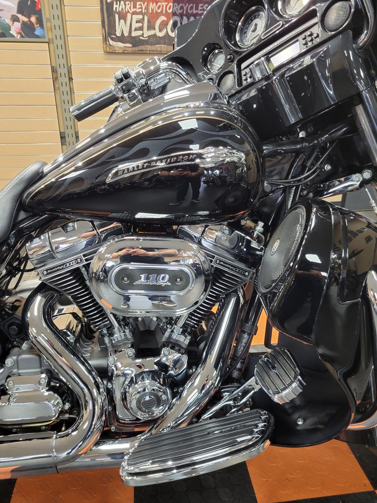 2012 Harley-Davidson CVO™ Street Glide® in The Woodlands, Texas - Photo 12