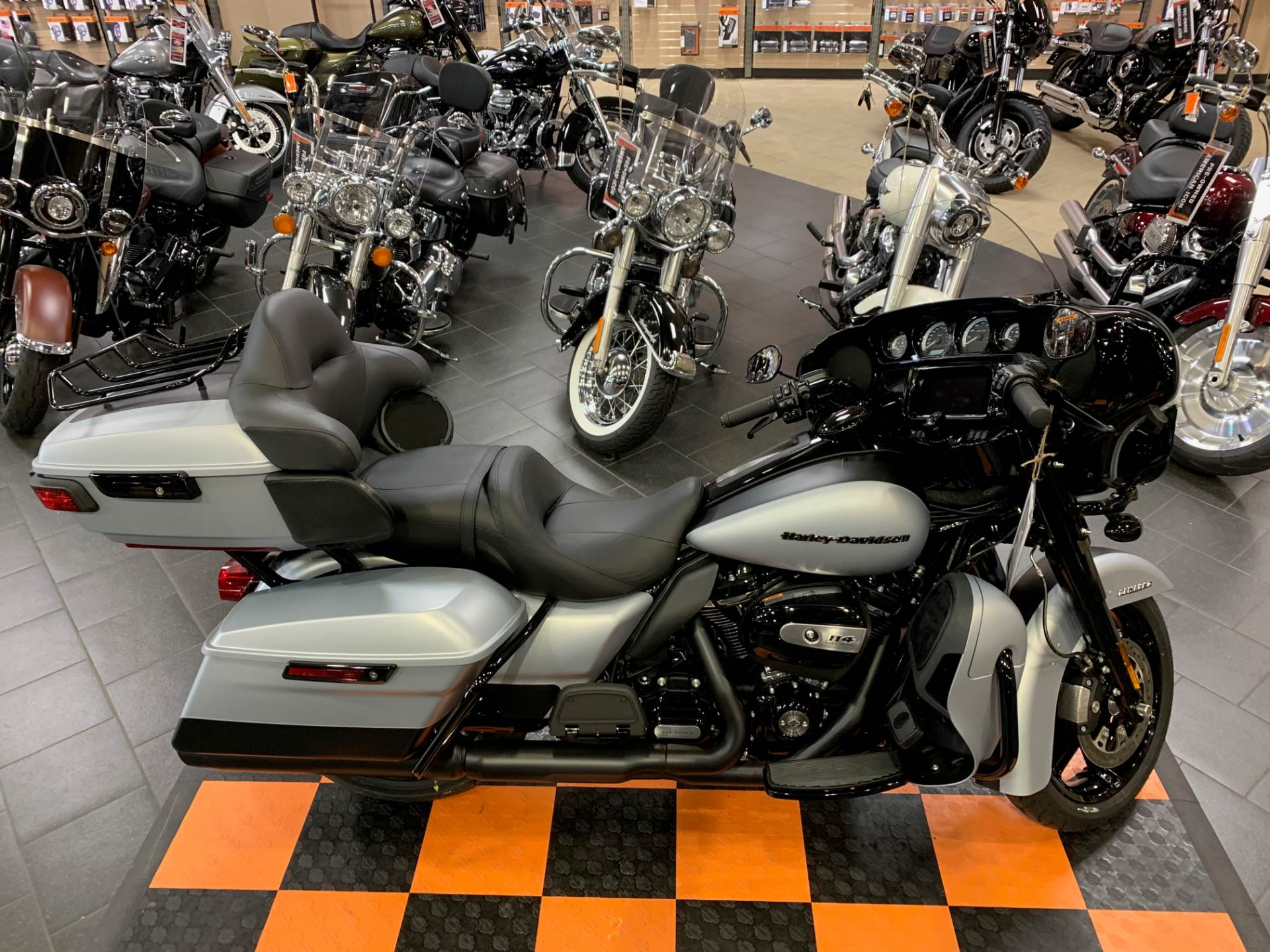 2020 Harley-Davidson Ultra Limited in The Woodlands, Texas - Photo 6