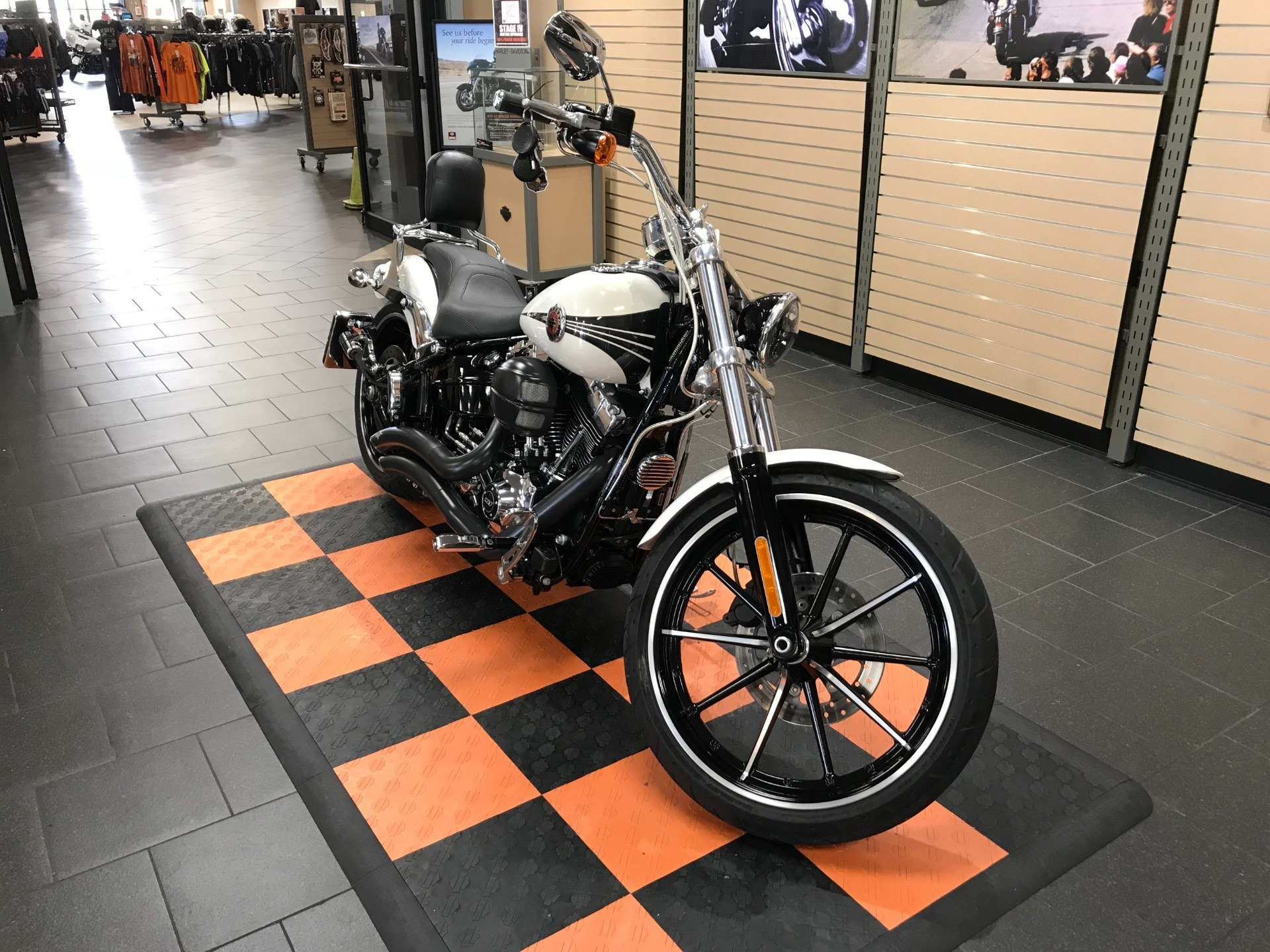 2014 Harley-Davidson Breakout® in The Woodlands, Texas - Photo 2