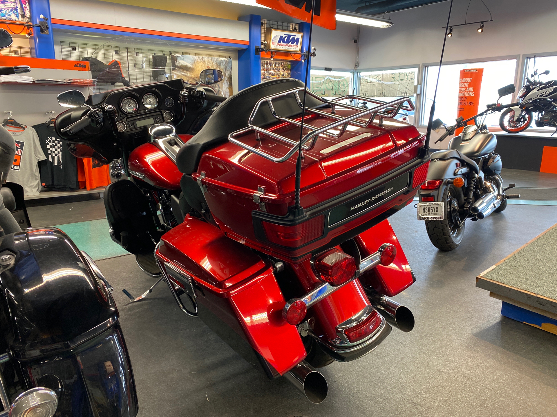 2013 Harley-Davidson Electra Glide® Ultra Limited in Hobart, Indiana - Photo 2