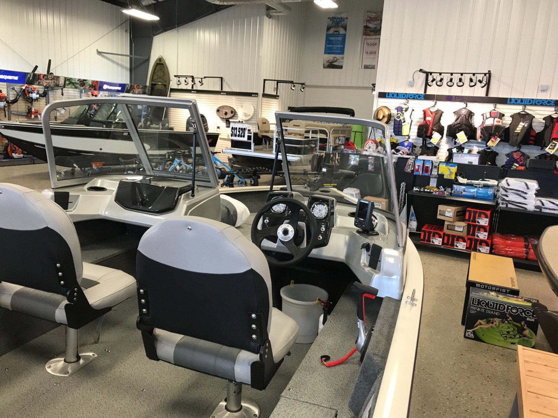 2018 Tracker PRO GUIDE V-16 WT in Gaylord, Michigan