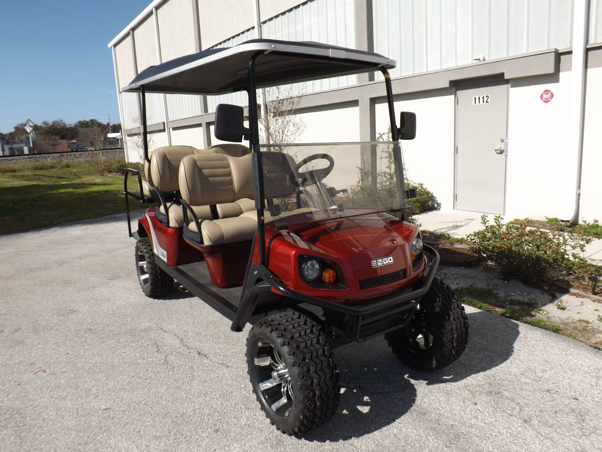 new 2020 e z go express l6 electric golf carts in lakeland fl stock number exp233 2020 e z go express l6 electric in lakeland florida