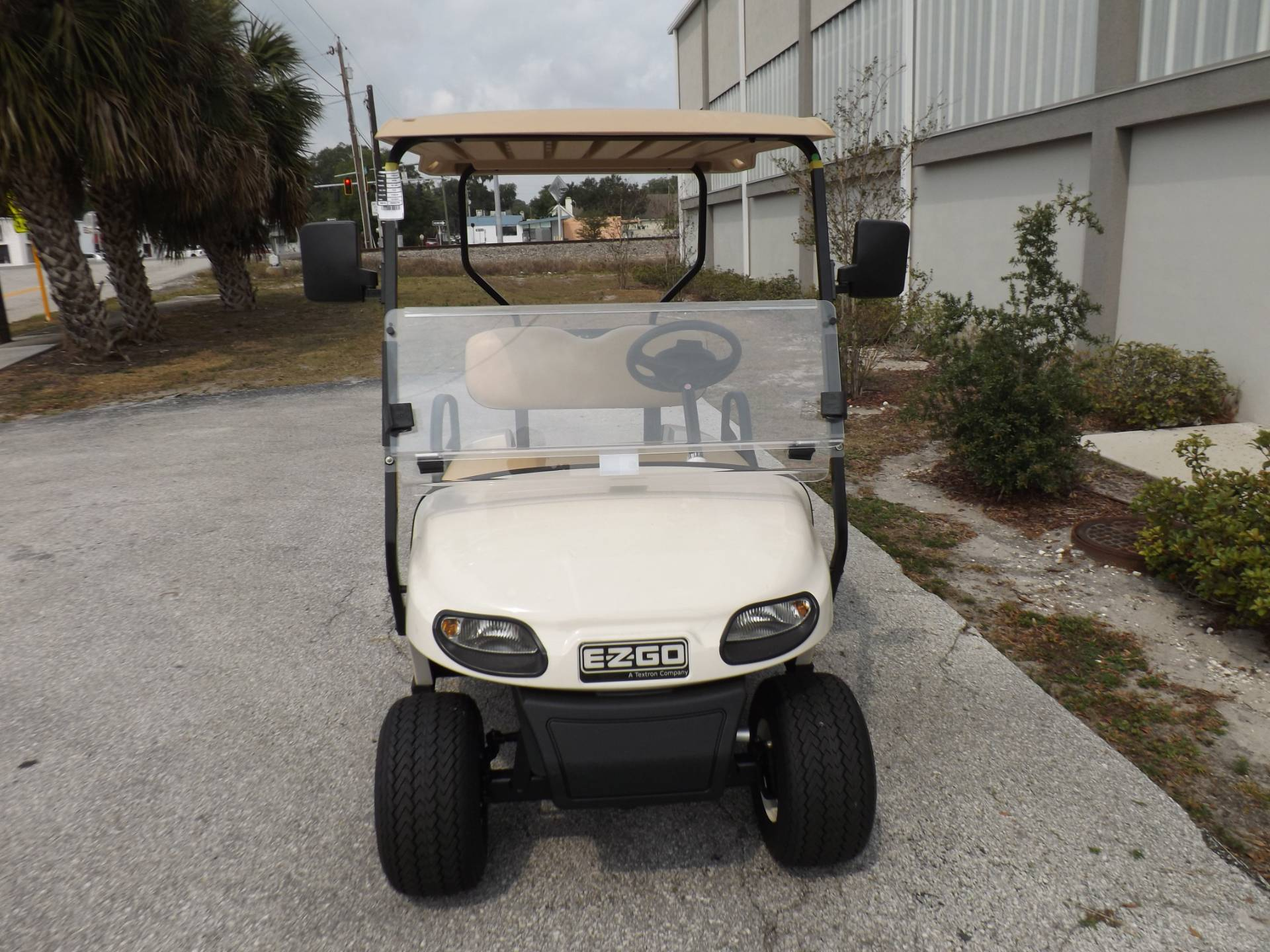 2019 E-Z-GO Freedom TXT Gas in Lakeland, Florida - Photo 2