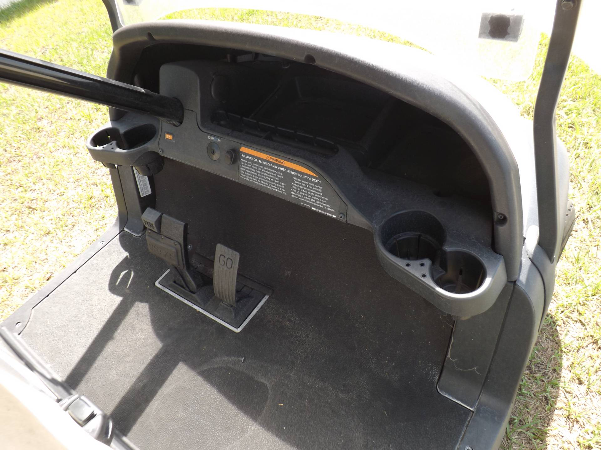 2016 Club Car Precedent i2 Electric in Lakeland, Florida - Photo 8