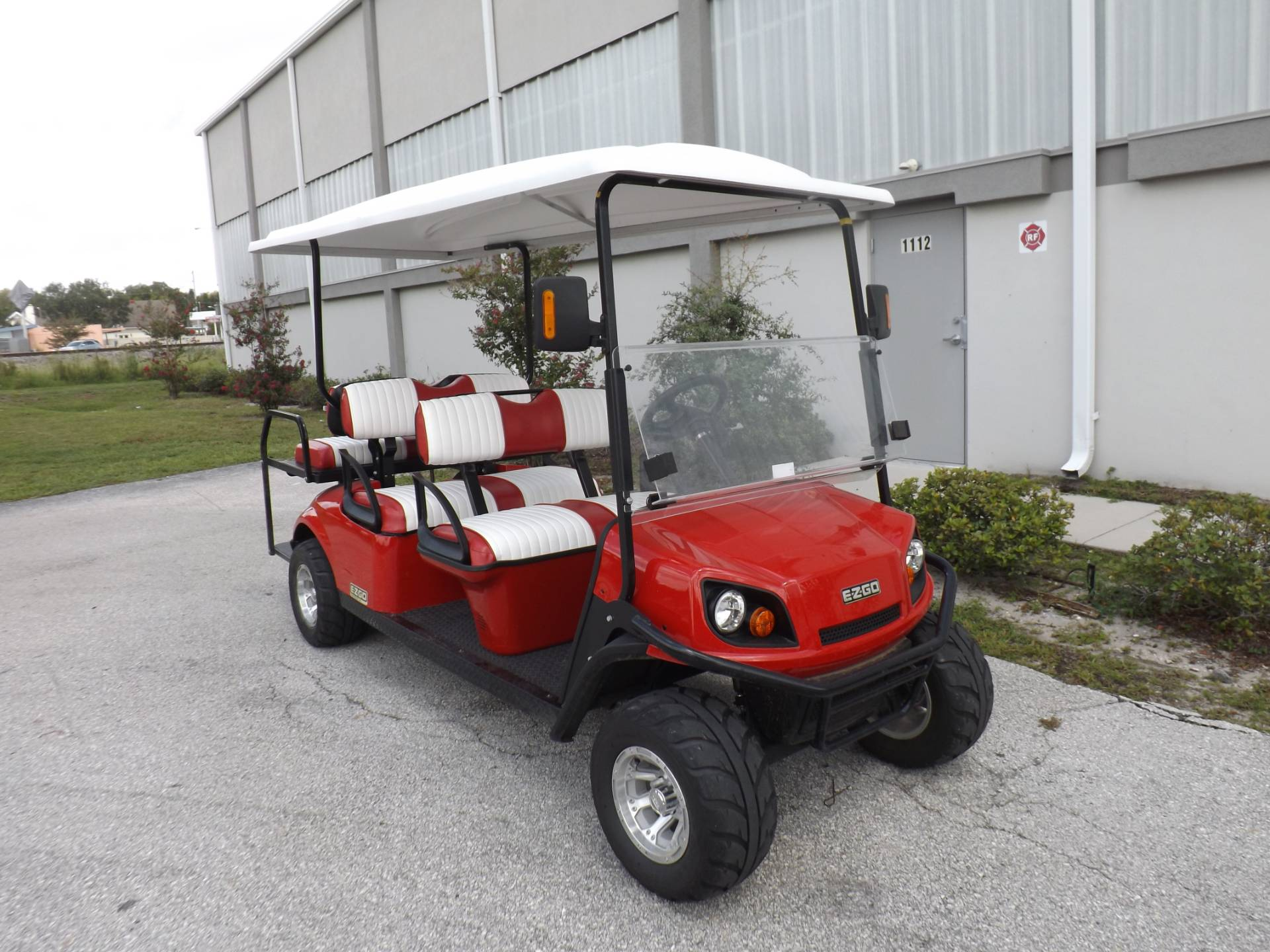 2018 E-Z-GO Express L6 Electric in Lakeland, Florida - Photo 1