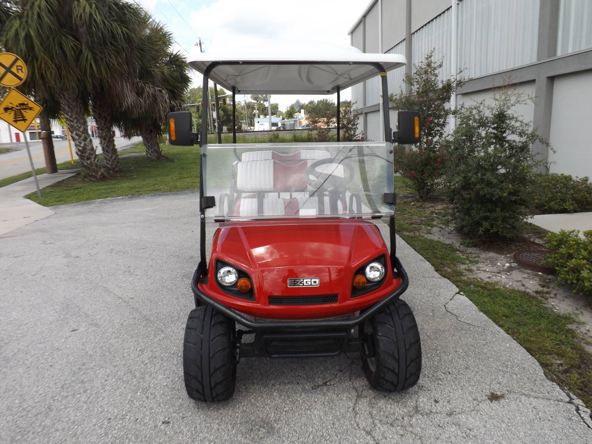 2018 E-Z-GO Express L6 Electric in Lakeland, Florida - Photo 2