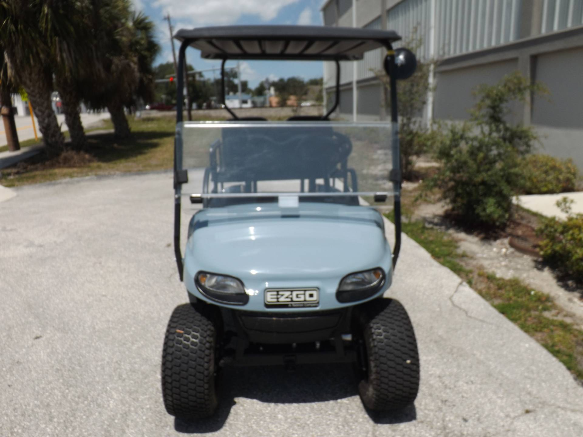 2020 E-Z-GO TXT Valor Gasoline in Lakeland, Florida - Photo 2